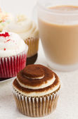 Coffee with cupcakes — Stock Photo