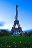 Eiffel tower at night, France — Stock Photo