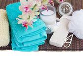 Ambiente de spa, com acessórios de banho — Foto Stock
