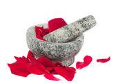 バラの花びらとモルタル — ストック写真