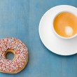 Breakfast with fresh coffee and one donut — Stock Photo