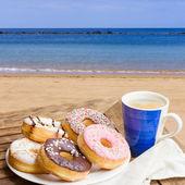 Breakfast served in seaside cafe — Stock Photo