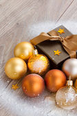 X-mas decorations and gift box close up — Stock Photo