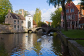 Minnewater pond and Begijnhof, Brugge — Stock Photo