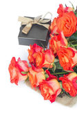 Bunch Of Fresh Roses With Gift Box — Foto Stock