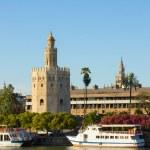 Golden Tower (Torre del Oro) of Sevilla, Spain — Stock Photo