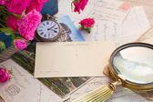 Vieille horloge de courrier et d'antiquités — Photo