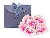 Gray  gift bag with roses — Stockfoto