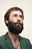 El hombre con una gran barba y bigotes — Foto de Stock
