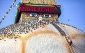 Man at Bodnath stupa — Stock Photo