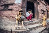 Old man in Bhaktapur — Zdjęcie stockowe