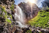 Berg waterval — Stockfoto