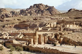 View of The Great Temple and Arched Gate in ancient city Petra — Stock Photo