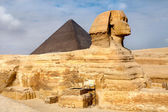 View of the Sphinx and Pyramid of Khafre, Cairo, Egypt — Stock Photo