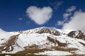 View of mountains with cloud like a heart in shape — Stock Photo