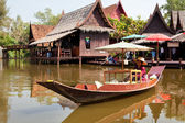 Women sells food in floating Markets — Stock Photo
