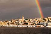Utsikt över Bosporen och galata tower i istanbul city, Turkiet — Stockfoto