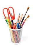 çeşitli renk üzerine beyaz izole kalem — Stok fotoğraf