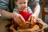 Potter, creating an earthen jar — Stock Photo