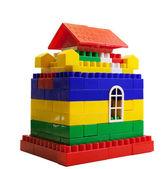 Casa de brinquedo de blocos coloridos — Fotografia Stock