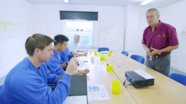 Workers attending a company meeting or training seminar — Stock Video