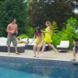 Excited group of friends arrive at vacation home and run to look at the pool — Stock Video