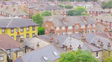 Residential area in suburb of London — Stock Video