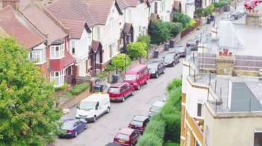 Residential area in suburb of London — Vídeo Stock