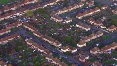 Residential area in suburb London — Stock Video