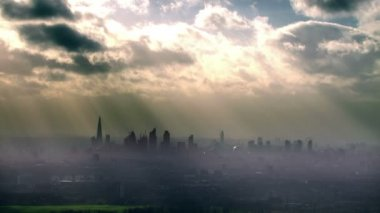 London skyline on hazy morning — Stock Video