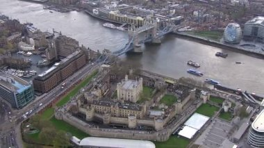 Tower von london und der tower bridge — Stockvideo