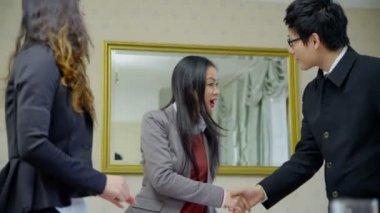Asian business team discuss ideas — Stock Video