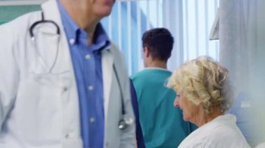 Medical staff working together — Stock Video