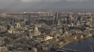 Panoramic aerial view above the city of London and the river Thames — Stock Video