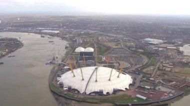 London's famous entertainment  venue — Stock Video