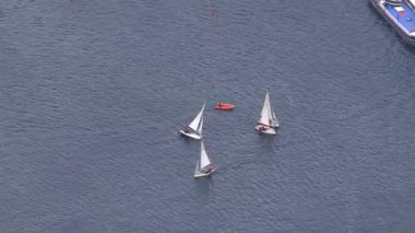 Yachts on River Thames — Stok video