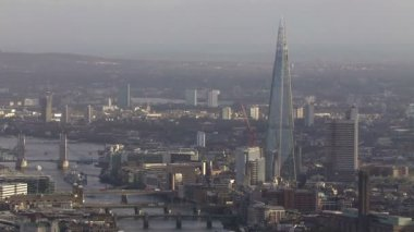 Panoramic aerial view above the city of London and the river Thames — ストックビデオ