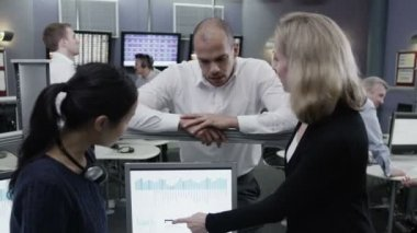 Team of financial traders are working — Stock Video