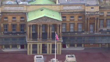 Buckingham palace in London — Stock Video