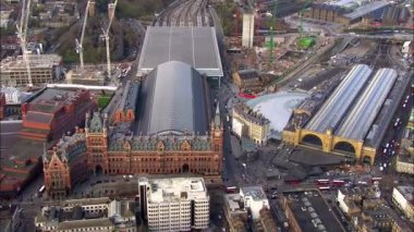 Aerial view over Kings Cross railway station in London — Wideo stockowe