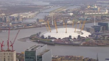 River Thames and O2 Arena — Vídeo de Stock