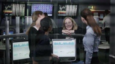 Financial traders take break — Stock Video
