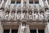 Architectural elements on the building of City Hall of Brussels — Stock Photo