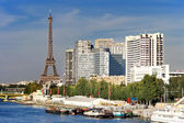 Eiffel tower and Quai de Grenellie in Paris, France. — Stock Photo