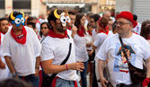 PAMPLONA, SPAIN -JULY 8: Young in masks having fun at of — Stock Photo