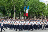 PARIS - JULY 14: Army columns marching at a military parade in t — Stock Photo