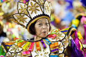 RIO DE JANEIRO - FEBRUARY 11: A woman in costume singing and dan — Stock Photo