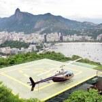 hélicoptère lors du débarquement, pad de rio de janeiro — Photo #25836443