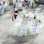 RIO DE JANEIRO - FEBRUARY 10: A woman and men in costume dancing — Stock Photo #25837065