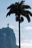 雕塑在巴西里约热内卢的基督救赎者 — 图库照片
